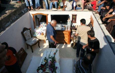 Ritual pemakaman mewah
