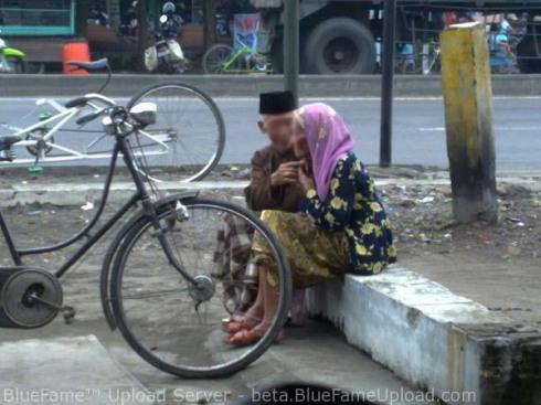 romantisme kakek dan nenek